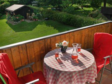 balkon-gemuetlich-ferienwohnung-rist